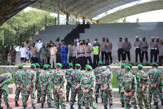 Kapolres Pangkep Pimpin langsung apel Pengecekan Pengamanan Penjemputan Bupati Terpilih