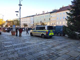 Polizei auf dem Stadtplatz Traunstein