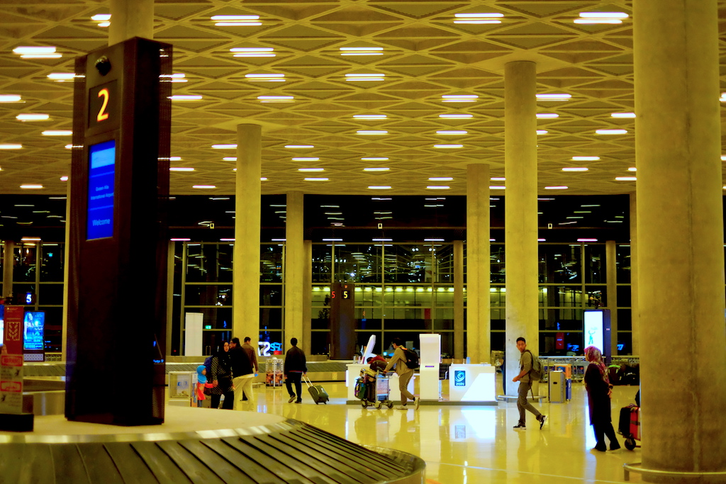 Liburan ke Jordan (Jerash dan Amman) - Quaeen Alia International Airport Baggage Hall