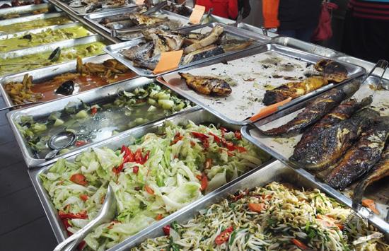 Restoran Silaturrahim - Tempat Makan Terbaik di Teluk Batik, Lumut