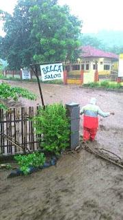Banjir Gunung Terjang Dusun Sangiang di Desa Nipa