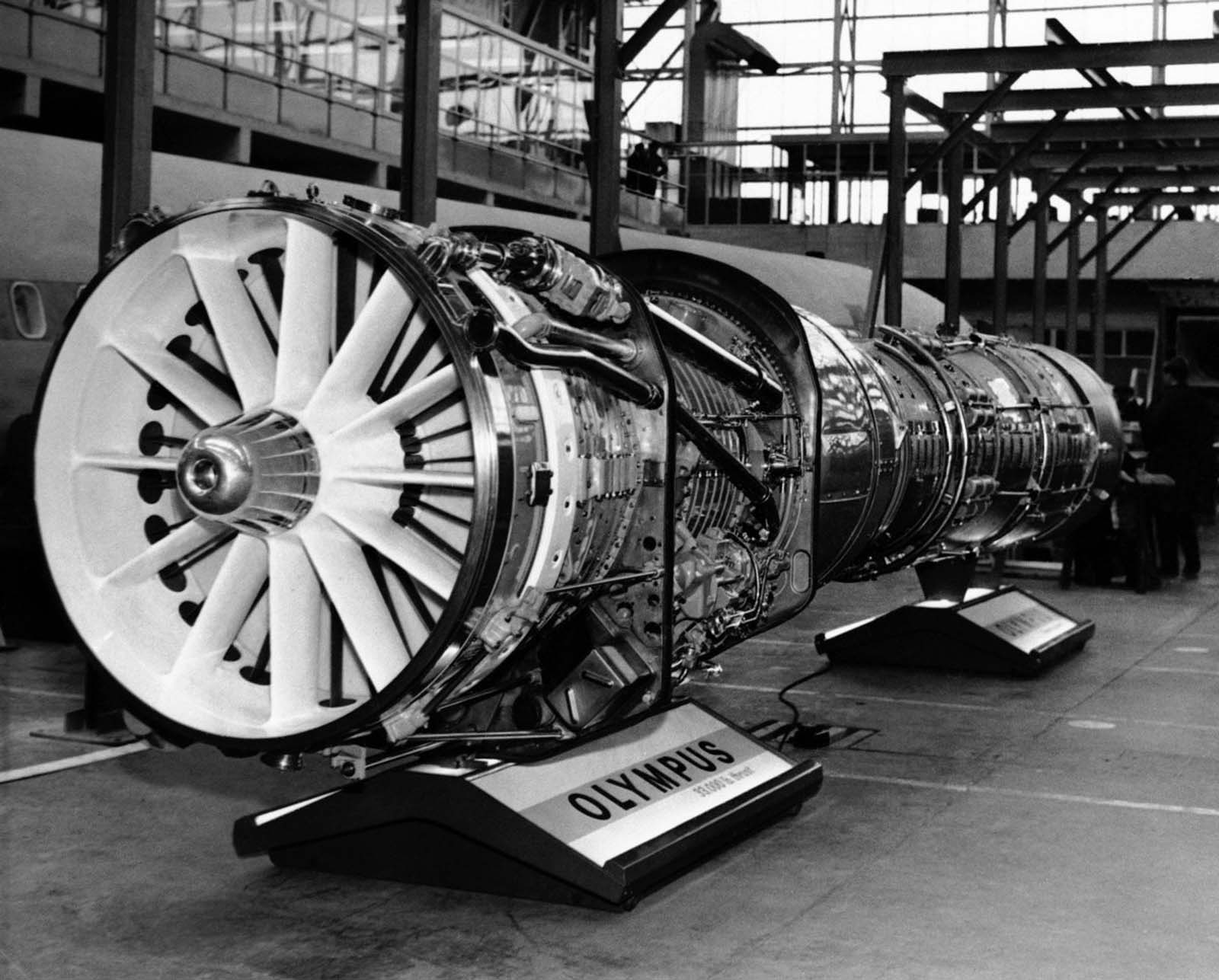 The engine selected to power the Concorde was the Olympus 593 turbojet, developed by Rolls-Royce/Bristol Siddeley and Snecma.