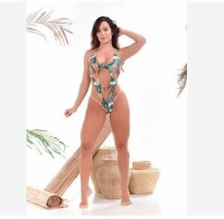 Denise Dias exibe curvas durante ensaio deslumbrante