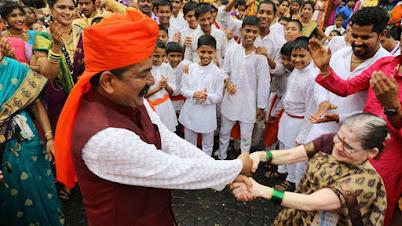 एन डी स्टुडिओत उत्सवाचे वातावरण - बातम्या   Dahi, Handi Ganeshotsav at N D Studio Bollywood Theme Park Karjat - News