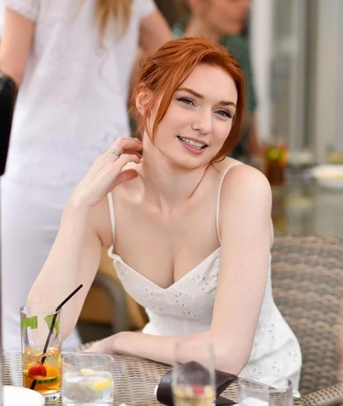 Eleanor Tomlinson collette the nevers beautiful english actress