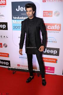 Red Carpet of Most Stylish Awards 2017 ~ Manish Paul (2).JPG