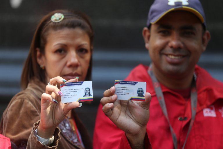 Estamos enviando mensajes desde el número 3532 a los 4 millones de beneficiarios del BONO NAVIDEÑO.