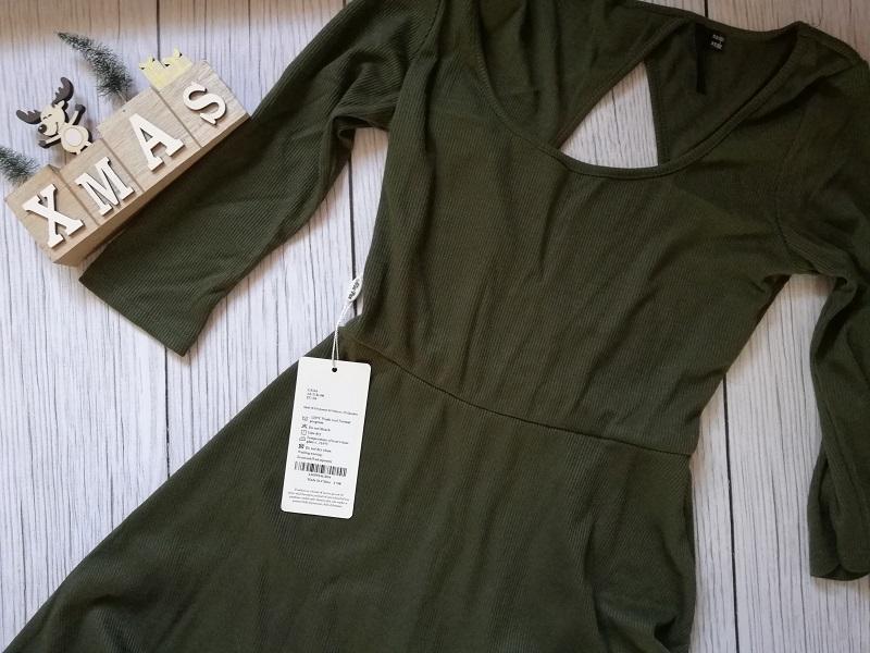 zielona sukienka z łezką