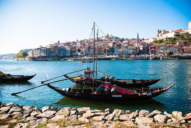 Barcos de Rabelo_ Vinho do Porto_ Portugal