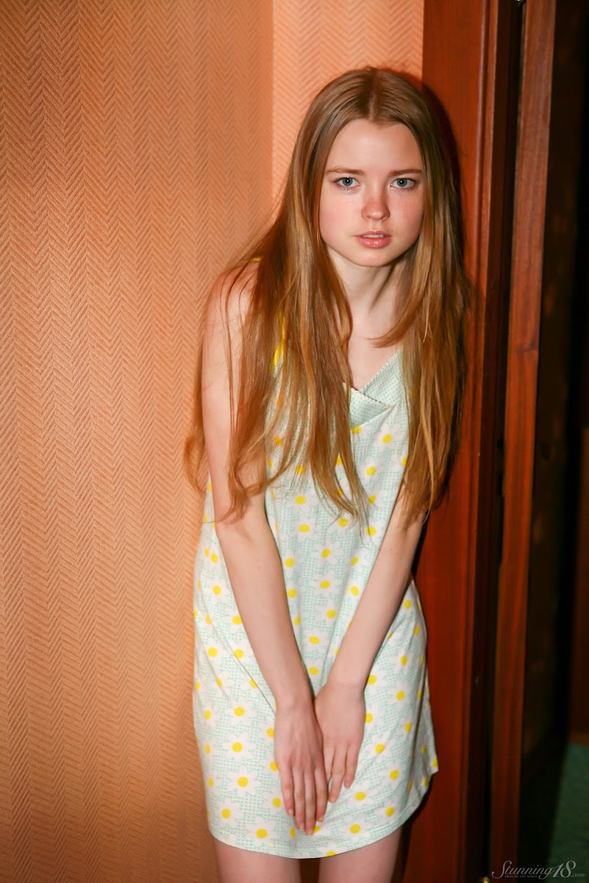 [Stunning18] Avril A - Nightgown