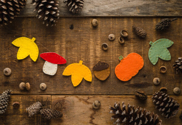 felt-garland-handmade-decorating-holiday-fall-