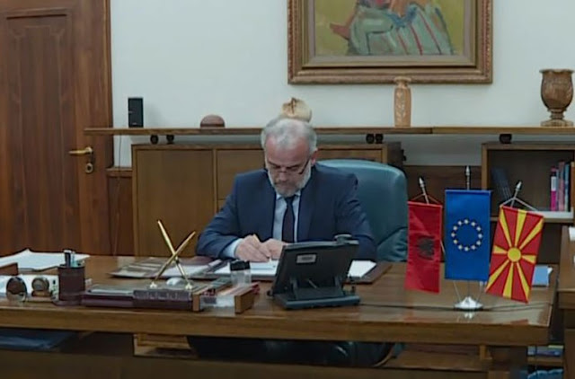 Albanian, official language in Macedonia, Talat Xhaferi signed