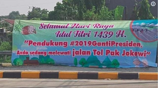 Viral Spanduk 'Jalan Tol Pak Jokowi', Ferdinand: Kegagalan Revolusi Mental, Fitnah pada Presiden