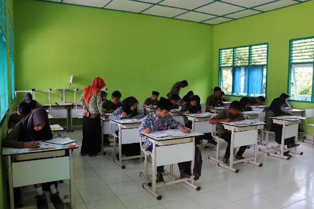 Pendidikan Masuk Dalam UU Cipta Kerja, Disebutkan Biaya Pendidikan Makin Mahal, Orang Miskin Makin Terpinggirkan