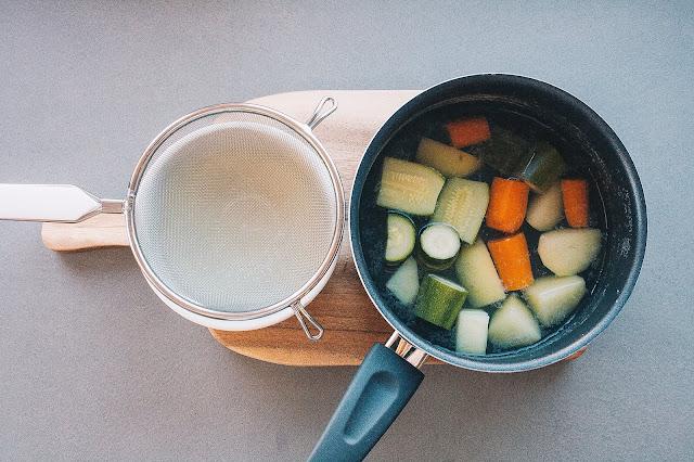 Brodo vegetale per lo svezzamento del bambino step 4