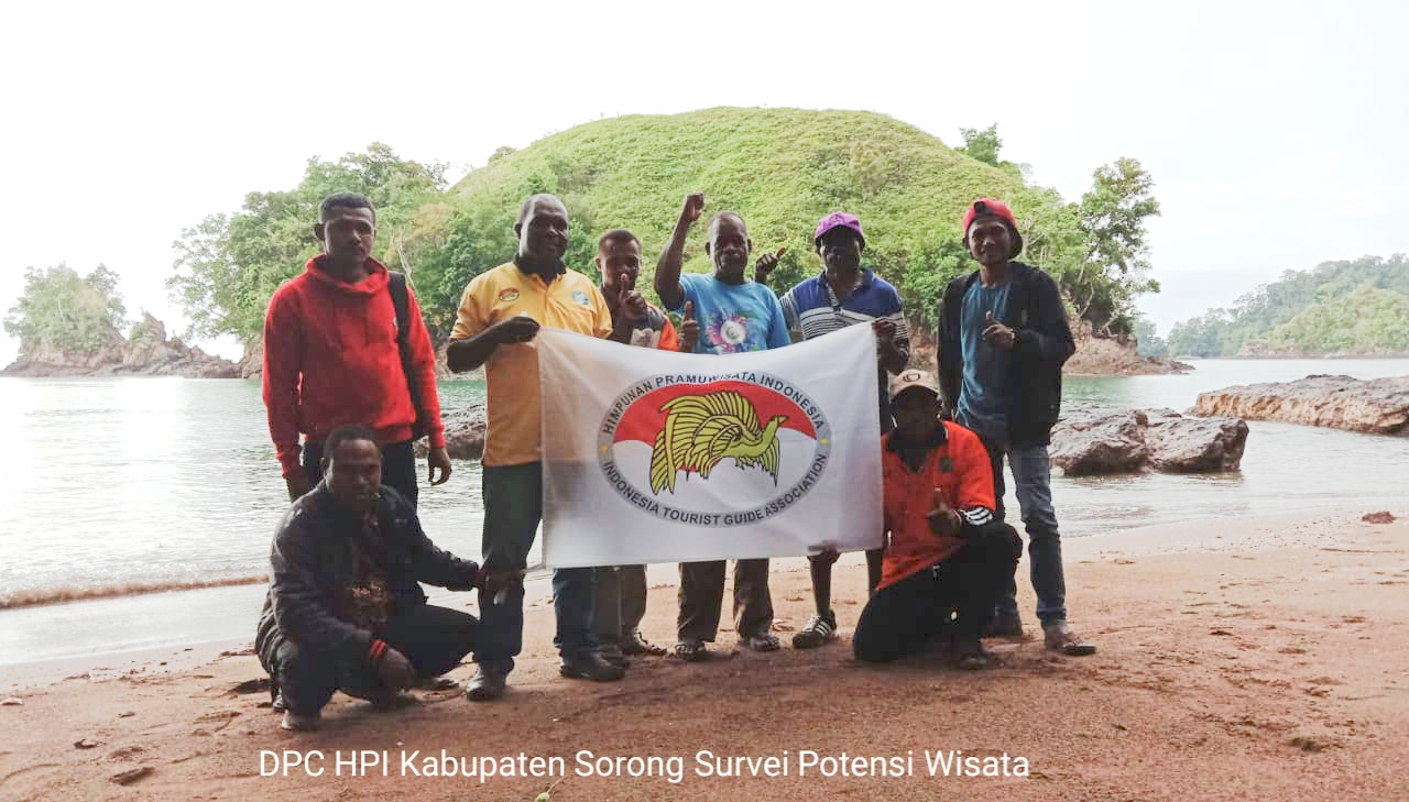 Dpd Hpi Papua Barat Dpc Hpi Kabupaten Sorong Survei Potensi Wisata Di Batu Lubang Dan Klagulus