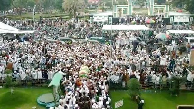 Innalillahi, Habib Hasan Assegaf Pasuruan Meninggal Dunia, Ribuan Pelayat Menyemut Saat Pemakaman