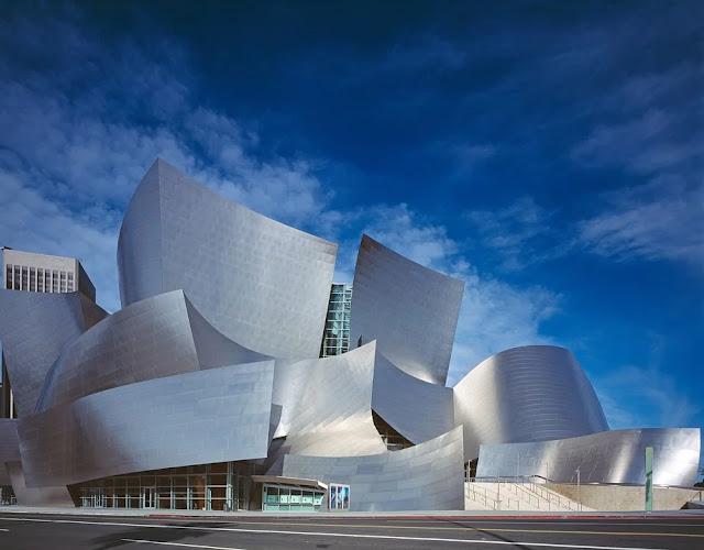 concer-thall-Franck-Ghery-architettura-involucro-edilizio