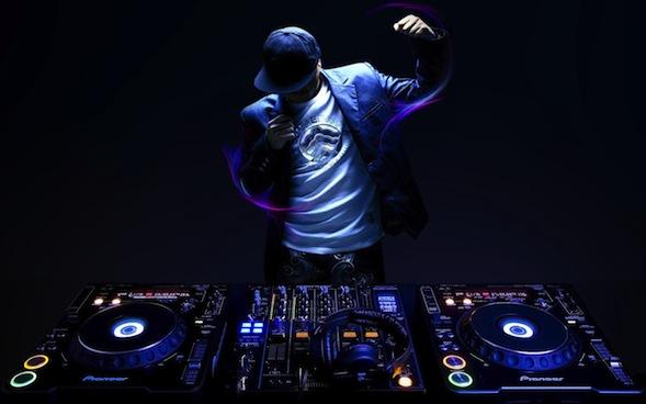 50 DJ (Disc Jockey) Terbaik di Dunia