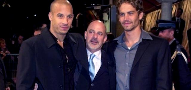 Vin Diesel, regizorul Rob Cohen şi Paul Walker în 2001, la lansarea primului film Fast and Furious