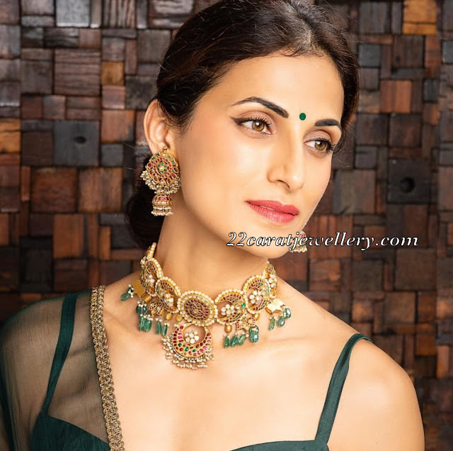 Shilpa Reddy in Unique Kundan Stud Choker