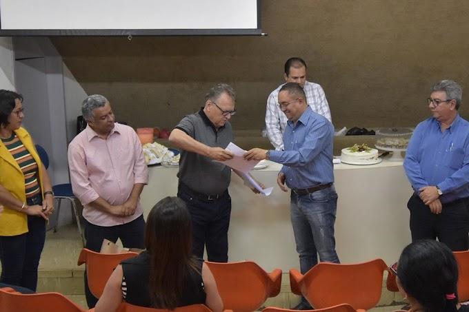 Isnaldo Bulhões anuncia pagamento do rateio do FUNDEB aos profissionais da educação