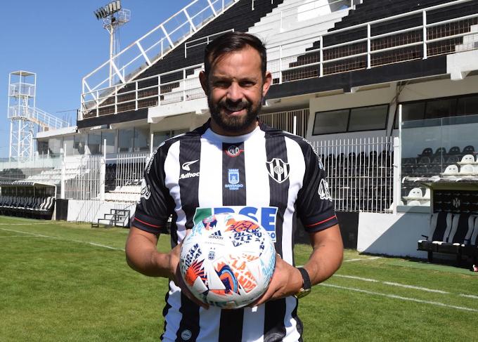 Presentado en sociedad: Matías Mier, ex Independiente Medellín, fue anunciado como nuevo jugador del Central Córdoba de Argentina