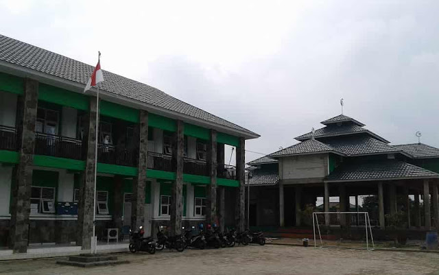 Gedung SMK Nahdlatul Ulama Losarang