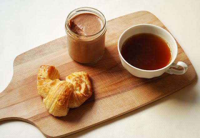 Pâte à tartiner amandes-noisettes-chocolat