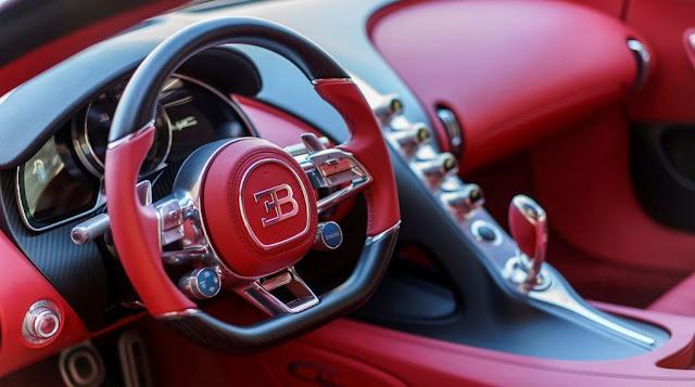 Bugatti Chiron - Volante, tablero de instrumentos y demás sistemas del superdeportivo