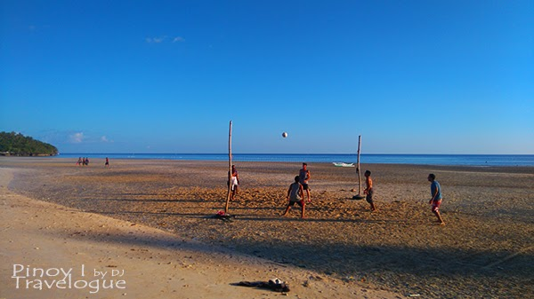 Beach volleyball in Santiago White Beach