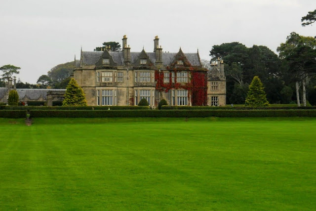 Ring of Kerry Route: Muckross House