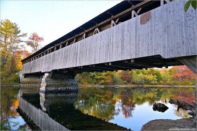 Lateral del Puente Cubierto Porter-Parsonsfield Bridge