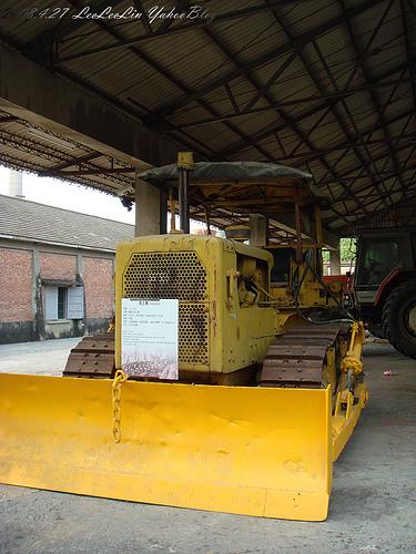 橋頭糖廠|火車頭維修倉庫|高雄捷運橋頭糖廠站景點