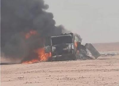 بالصور: الجيش المغربي يدمر بالكامل شاحنة للبوليساريو اقتربت من نقط المراقبة فـي الجدار الرملي العازل