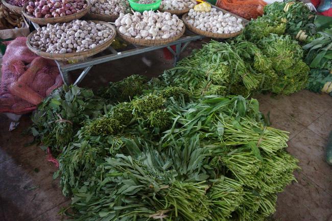 Một số rau quả khan hiếm có giá cả tăng vọt như: khổ qua, đậu tây, xà lách, rau gia vị các loại… nhưng nhà nông trên địa bàn TP.Đà Nẵng lại không có hàng để bán.
