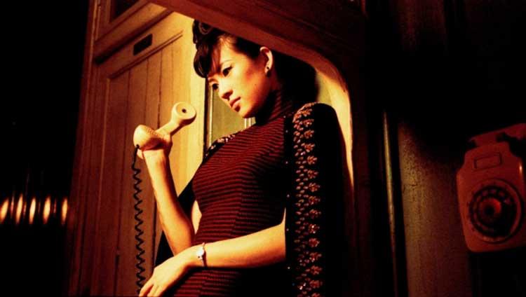 Bai Ling (Zhang Ziyi) pines for her love in 2046.