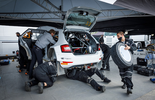 Skoda Rally Mechanics in service area