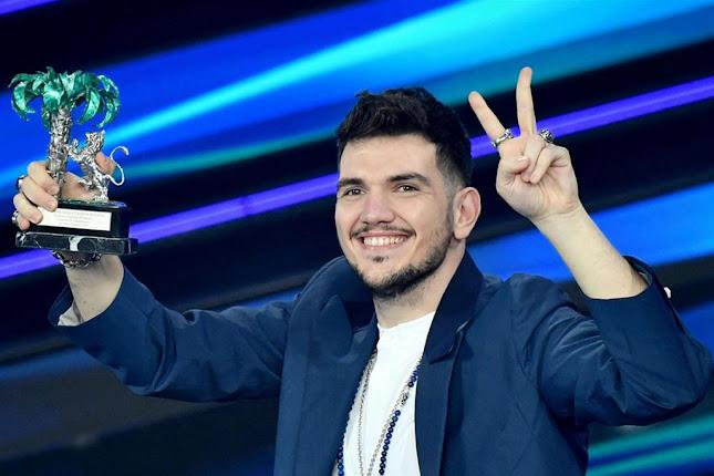 Luca Gaudiano vince il Festival nella sezione nuove proposte