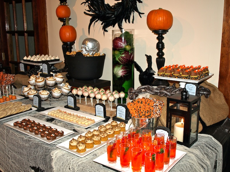 a party style halloween dessert table. Black Bedroom Furniture Sets. Home Design Ideas