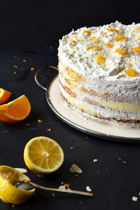 Zitrustorte mit Orangenbiskuit