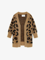 https://www.zara.com/be/en/animal-print-knit-cardigan-p05987701.html?v1=22130596&v2=1282261