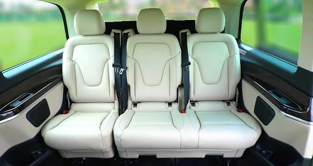 Băng cuối Mercedes V250 Avantgarde 2017 được thiết kế 3 ghế rộng rãi và thoải mái