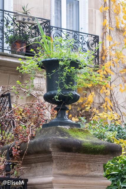 Vase de la cité des fleurs aux Epinettes