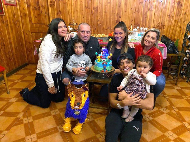 Cristián Montecinos habla de sus seis hijos de tres generaciones