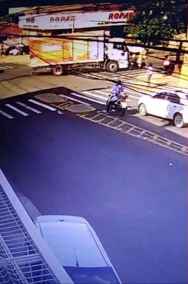 Idoso é atropelado na faixa de pedestre é socorrido mais morre horás depois na UTI do Hospital Regional;