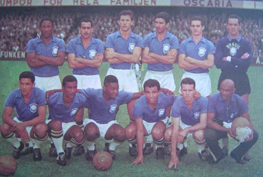 f8d24177d7 ... com dois jogadores expulsos. O Mundial de 1958 testemunhou o surgimento  de uma geração de craques que ficaria marcada na história do futebol  brasileiro.