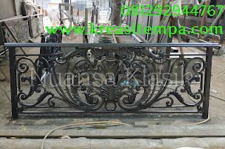 balkon besi tempa klasik antik