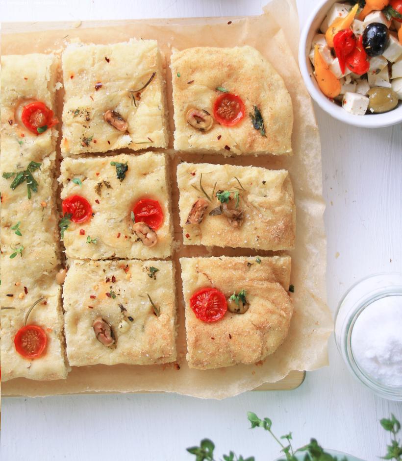 Foccacia Bread   whatinaloves.com