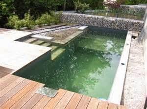 Jika anda ingin membangun kolam renang pribadi di rumah anda, disarankan untuk tidak berpatokan kepada cottage yang ada di Bali.